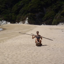 Oh, she's paddling a stump...?