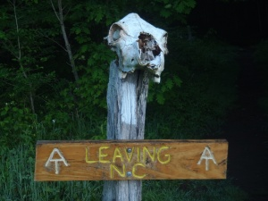 The neat sign marking the end of the NC/TN shared section.