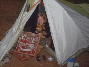 Lindsay eating some delicious pizza while still on the trail. Hooray!